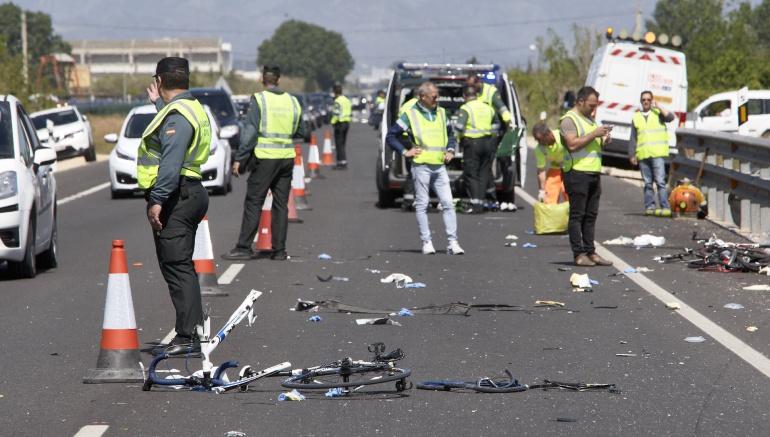 Brutal atropello deciclistas